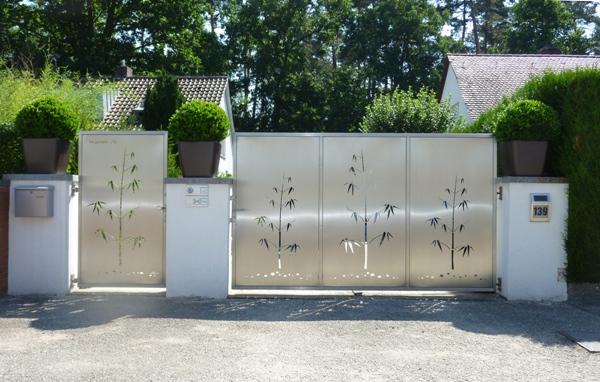 gartentor edelstahl auaergewahnliche auaergewahlischer arbeiten metall bambus modern moderne polen